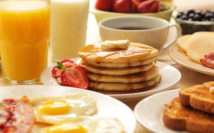 Free Perks Including Wi-Fi, Breakfast, and Parking in California Hotel